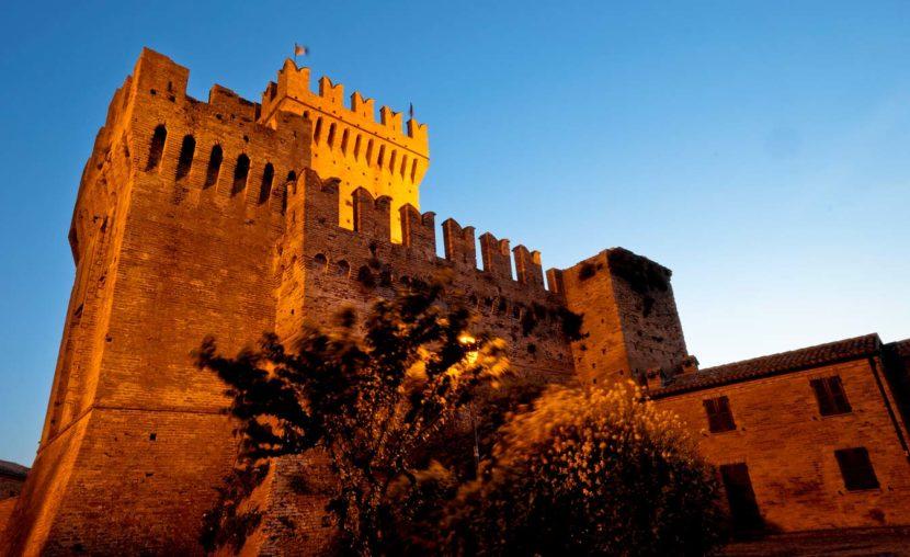 offagna borgo feste medievali paesi vicino sirolo